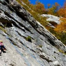 escalade en falaise enfants ados champfromier pays de gex geneve lausanne nyon grimptout-10